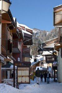 valmorel_rue-pietonne-199x300 dans Ski