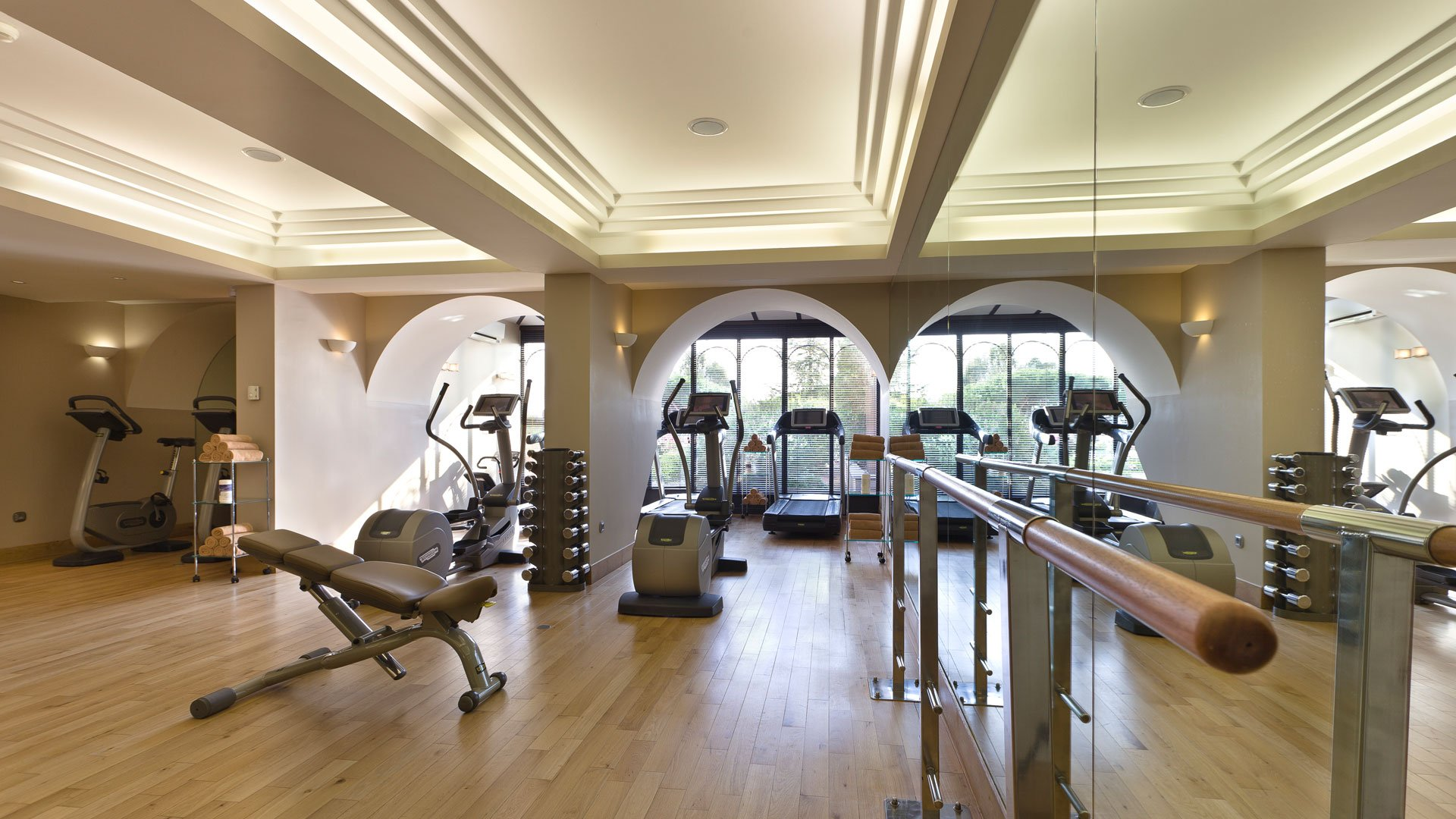 comment bien choisir votre salle de sport tous en forme la plateforme de clarisse. Black Bedroom Furniture Sets. Home Design Ideas