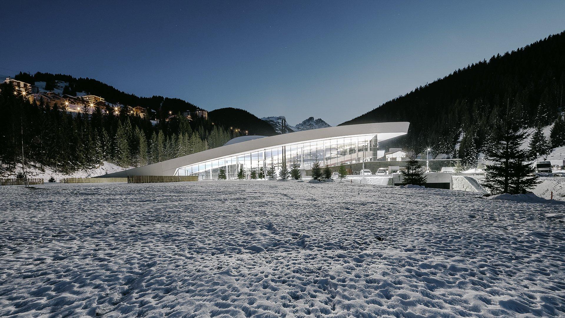 loisirs aquatiques en plein coeur de tours bassin exterieur 50 m bassins ludiques sauna hammam caldarium